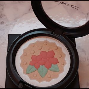 NEW - Limited Edition MAC Baking Beauties Podwer